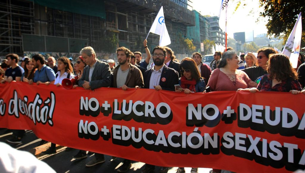 no + lucro, no + deuda, no + educación sexista