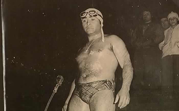 """Fallece Víctor """"Tiburón"""" Contreras, nadador chileno que cruzó el estrecho de Magallanes, simpatizante de Pinochet / Foto de Radio Universidad de Chile"""