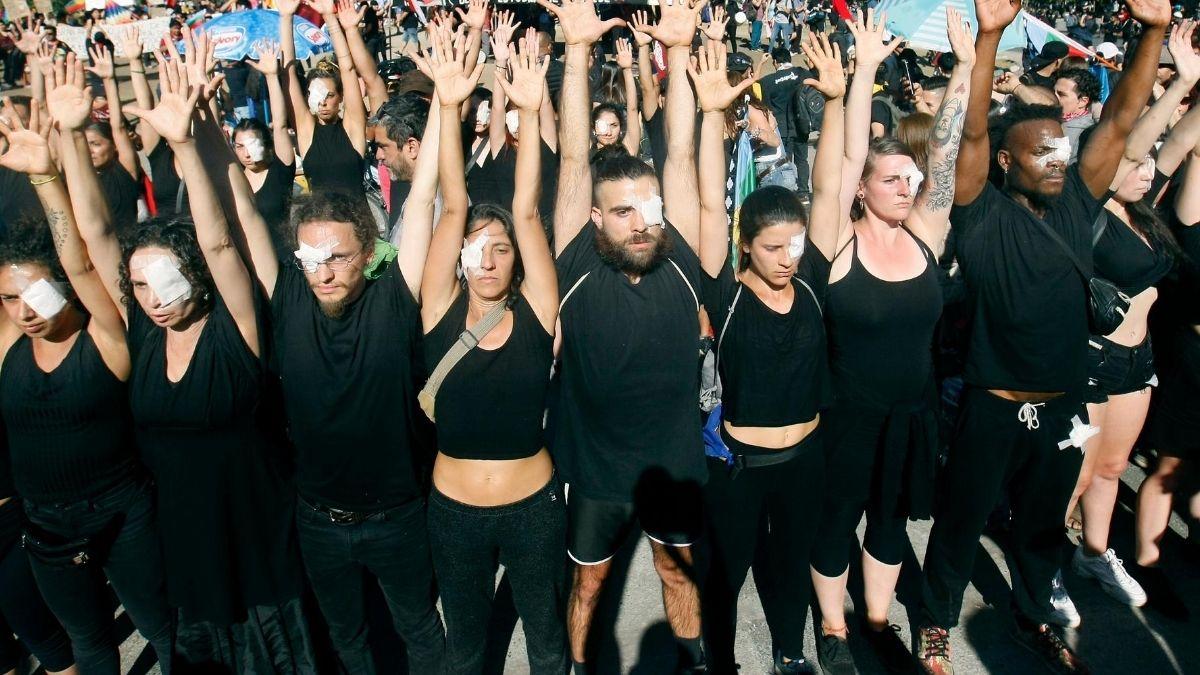 Foto: Manifestación en contexto del Estallido Social. Por Rodrigo Henry Galvez
