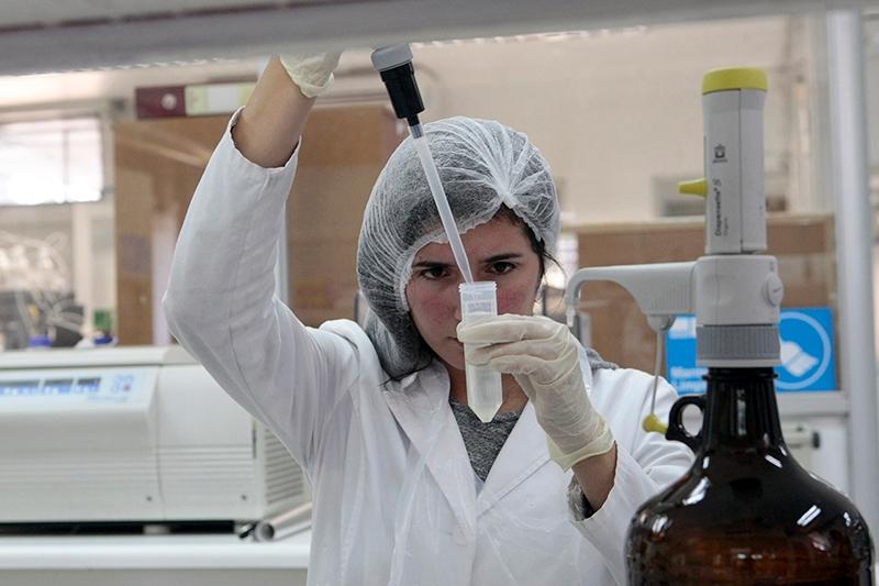 Hoy Chile está llevando a cabo un exitosos proceso de vacunación.